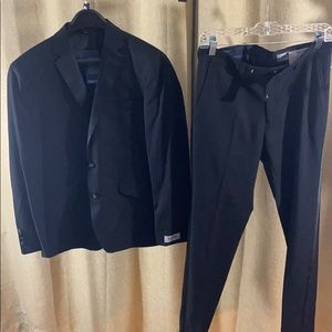 Kenneth Cole suit. NWT